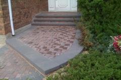 Northern Pisa 2 block retainer wall steps with Cobble stone inset