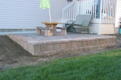 Rustic Holland raised paving stone patio