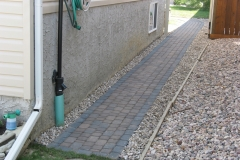 Rustic Cobble paving stone sidewalk with charcoal border